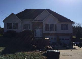 Pre Foreclosure in Hudson 28638 DELIA HALL LN - Property ID: 1470282369