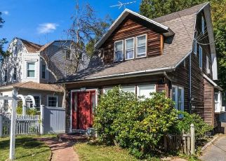 Pre Foreclosure in Bayside 11361 CORBETT RD - Property ID: 1470324413