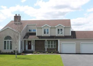 Pre Foreclosure in Bloomfield 14469 GAUSS RD - Property ID: 1470350700