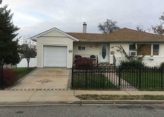 Pre Foreclosure in Freeport 11520 LEWIS ST - Property ID: 1470445296