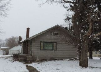 Pre Foreclosure in Hobart 46342 AINSWORTH RD - Property ID: 1471268244