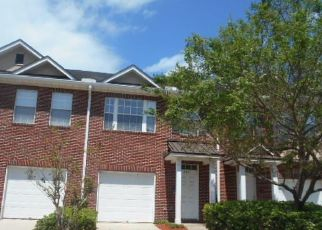 Pre Foreclosure in Jacksonville 32225 SENTRY DR - Property ID: 1471421547