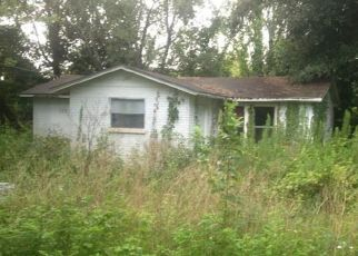 Pre Foreclosure in Jacksonville 32208 11TH AVE - Property ID: 1471426359