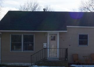 Pre Foreclosure in Spencer 51301 E 8TH ST - Property ID: 1471489875