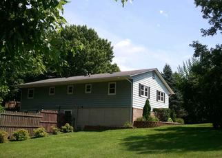 Pre Foreclosure in Bettendorf 52722 CLEMONS RD - Property ID: 1471493814