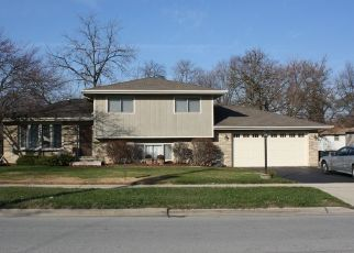 Pre Foreclosure in Oak Forest 60452 155TH ST - Property ID: 1471677316