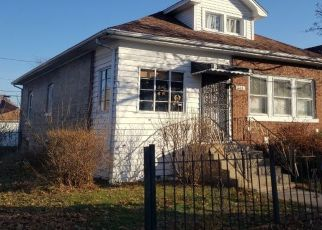 Pre Foreclosure in Chicago 60651 N PARKSIDE AVE - Property ID: 1471817918