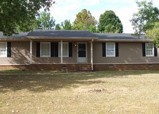 Pre Foreclosure in Douglasville 30134 RILEY RD - Property ID: 1472149456
