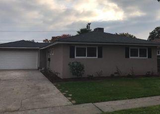 Pre Foreclosure in Fresno 93726 E NORWICH AVE - Property ID: 1472212526