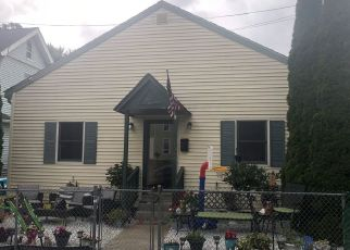 Pre Foreclosure in Bridgeport 06605 IRANISTAN AVE - Property ID: 1472461739