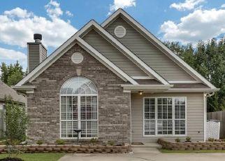 Pre Foreclosure in Calera 35040 CAMDEN COVE CIR - Property ID: 1474218891