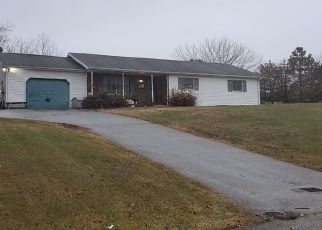 Pre Foreclosure in Spring Grove 17362 BENTZ RD - Property ID: 1474320488
