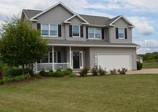Pre Foreclosure in Zanesville 43701 PINE VALLEY DR - Property ID: 1474510572