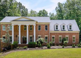 Pre Foreclosure in Fairfax Station 22039 CRESTRIDGE RD - Property ID: 1474914381