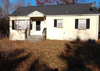 Pre Foreclosure in Disputanta 23842 POLE RUN RD - Property ID: 1474991918