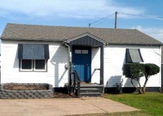Pre Foreclosure in Tulsa 74107 S UNION AVE - Property ID: 1475157910