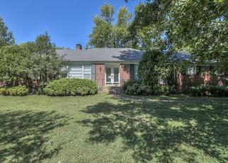 Pre Foreclosure in Nashville 37215 GARDENDALE DR - Property ID: 1475252949