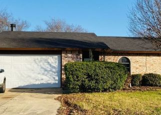 Pre Foreclosure in Fort Worth 76140 CHANCELLORSVILLE DR - Property ID: 1475360686
