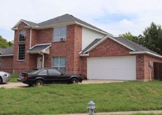 Pre Foreclosure in Irving 75061 W PIONEER DR - Property ID: 1475364177