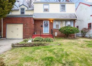 Pre Foreclosure in Woodbury 08096 GRISCOM DR - Property ID: 1476351373