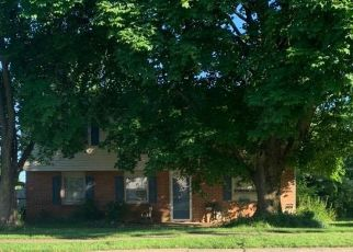 Pre Foreclosure in Lancaster 17601 GLENN RD - Property ID: 1476395166