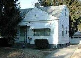 Pre Foreclosure in Toledo 43607 HINDE RD - Property ID: 1476853289