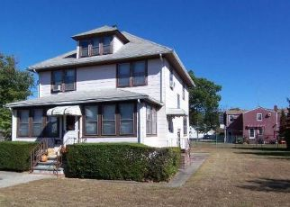 Pre Foreclosure in Lindenhurst 11757 S 5TH ST - Property ID: 1477238718