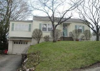 Pre Foreclosure in Waterbury 06708 SMITH AVE - Property ID: 1477490999