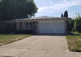 Pre Foreclosure in Sterling Heights 48310 TWICKINGHAM DR - Property ID: 1477944735