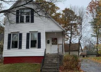 Pre Foreclosure in Auburn 04210 HARRIS ST - Property ID: 1478284599