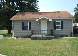 Pre Foreclosure in Elizabethtown 42701 CEDAR HILL DR - Property ID: 1478621394