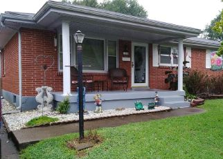 Pre Foreclosure in Louisville 40272 DEARING WOODS DR - Property ID: 1478653364