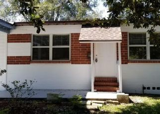 Pre Foreclosure in Jacksonville 32210 JAMMES RD - Property ID: 1478804918