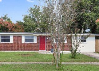 Pre Foreclosure in Jacksonville 32277 LAUDERDALE DR N - Property ID: 1478811478