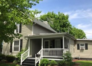 Pre Foreclosure in Nappanee 46550 W VAN BUREN ST - Property ID: 1478933228