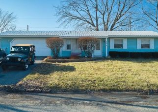 Pre Foreclosure in Valparaiso 46385 ROBYN RD - Property ID: 1478934552