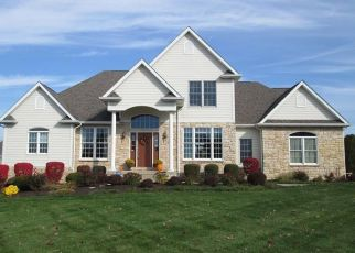 Pre Foreclosure in Valparaiso 46385 KEENELAND DR - Property ID: 1478947692
