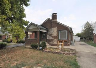 Pre Foreclosure in Indianapolis 46219 N EMERSON AVE - Property ID: 1479039665