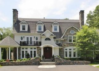 Pre Foreclosure in New Canaan 06840 LAKE WIND RD - Property ID: 1479672983