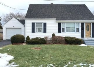 Pre Foreclosure in Somerset 02726 LEWIS AVE - Property ID: 1480403511