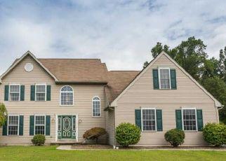 Pre Foreclosure in Douglassville 19518 OXFORD DR - Property ID: 1480485411