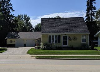 Pre Foreclosure in Oconomowoc 53066 W WISCONSIN AVE - Property ID: 1480912432