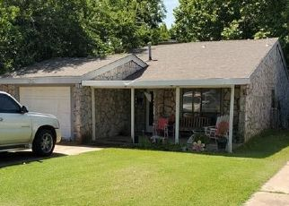 Pre Foreclosure in Edmond 73003 W 1ST ST - Property ID: 1482370905