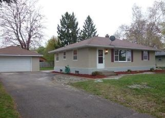 Pre Foreclosure in Saint Paul 55109 DEMONT AVE E - Property ID: 1483110634