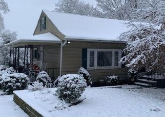 Pre Foreclosure in Shavertown 18708 E OVERBROOK RD - Property ID: 1483350193