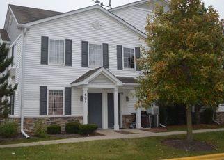 Pre Foreclosure in Carpentersville 60110 SILVERSTONE DR - Property ID: 1483517507