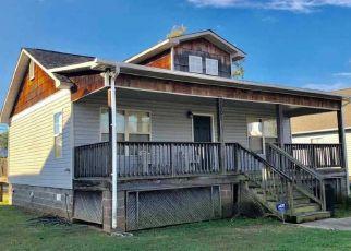 Pre Foreclosure in Birmingham 35208 2ND CT W - Property ID: 1483532393