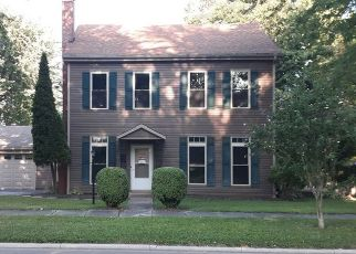 Pre Foreclosure in Winchester 47394 N RESIDENCE ST - Property ID: 1483583648