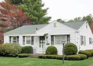 Pre Foreclosure in East Longmeadow 01028 ALLEN ST - Property ID: 1483980447