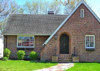 Pre Foreclosure in Norwalk 06855 RAYMOND TER - Property ID: 1484149953